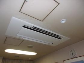 朝霞市健康増進センター空調機(PAC-2)交換工事